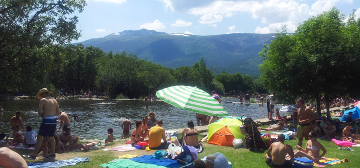 Natural lakes and rivers where you can swim in Madrid