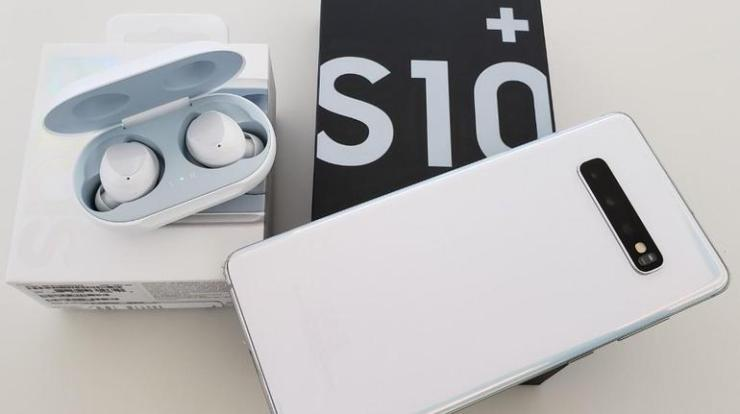 Best Accessories for Samsung S10, S10 Plus and S10e