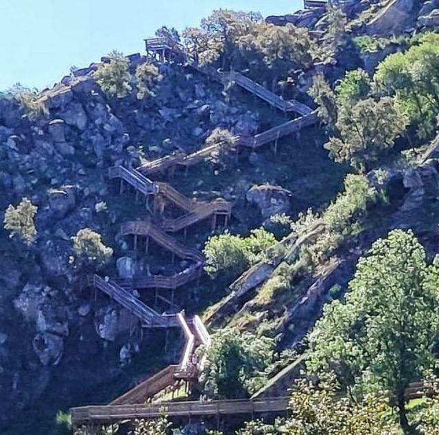 Paiva Walkway portugal treppen holzbohlen