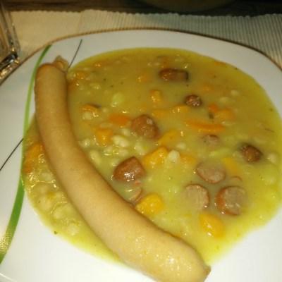 Kartoffel-Eintopf mit Cabanossi-Würstchen