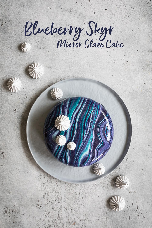 Blaubeer Skyr Mirror Glaze Torte   Galaxy Mirror Glaze Cake   seelenschmeichelei.de