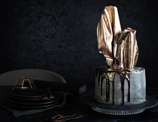 Concrete Cake | Schoko Kirsch Torte in Beton Optik | seelenschmeichelei.de