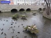 Der Fluss Gera. Wofür diese Gestecke angebracht wurden, weiß ich leider nicht.