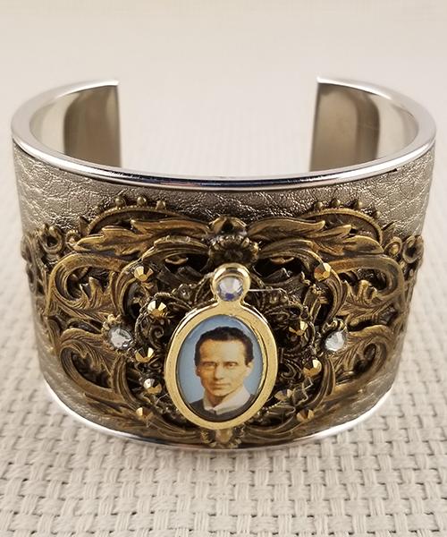 Large Seelos cuff bracelet