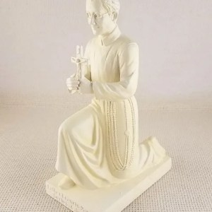 Kneeling Seelos statue