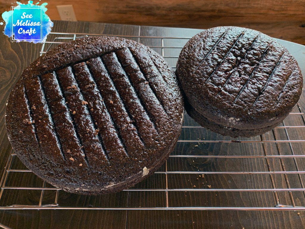Cooling chocolate cakes