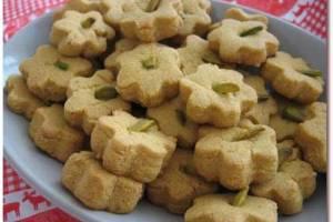نان نخودچی خانگی شیرینی مخصوص عیدنان نخودچی خانگی شیرینی مخصوص عید