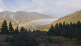 Wettergrenze mit Regenbogen