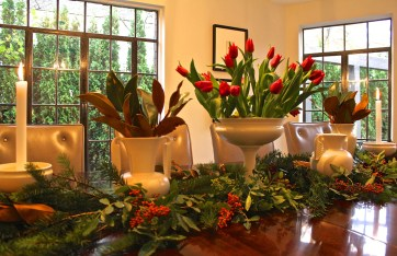 Above: Use outdoor containers to add holiday flair. Designead by Gabrielle Reilly.