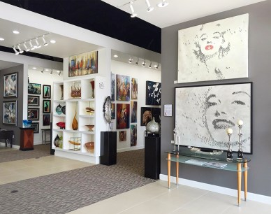 Extensive inventory of art ranges from contempory to traditional.