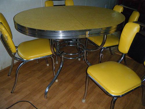 Vintage Kitchen Formica Table And Chairs