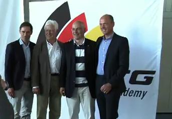 Bei der Eröffnung der Sailing-Academy in Kiel Juni 2011 (v.l. Marcus Baur/STG, Rolf Bähr/DSV, Torsten Albig/Oberbürgermeister Kiel, Oliver Schwall/STG © STG