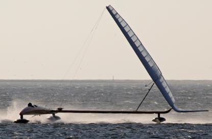Paul larsen mit vestas sailrocket 2 ber 50 knoten for Geschwindigkeit in knoten