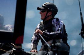 Dean Barker,an der AC45 Pinne © Gilles Martin-Raget
