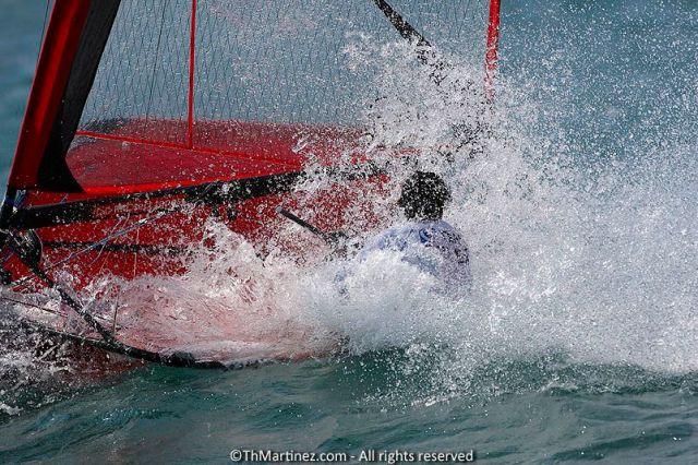 Ungemütlicher Starkwind am Gardasee ließ die Motten nicht nur kontrolliert abheben.  ©Th.Martinez/Sea&Co