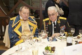 Russische Admirale beim Eröffnungsdinner. © onEdition