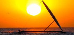 """Sailrocket hat den persönlichen 50 Knoten Rekord auf 500 Metern gebrochen und ist nur 0,4 Knoten langsamer als """"Hydroptère"""" © Sailrocket"""