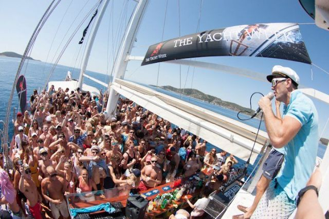 Yacht Week Event: Party auf der Mega Yacht. © The Yacht Week