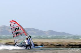 Speed Windsurfer Ander Bringdal schafft erstmals einen 50 Knoten Schnitt auf 500 Metern. © Eric Bollande