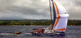 Shark 24 unter dem Parasailor vor Barbados.