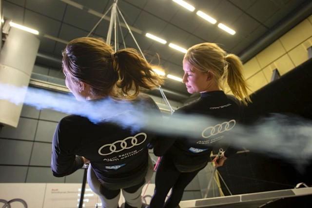 Tina Lutz und Susann Beucke im Audi Windtunnel.