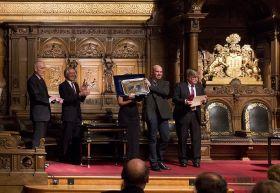 Jörg Riechers erhält den Offshore Award 2012