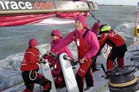 Die Frauen dürfen zwei Crewmitglieder mehr an Bord nehmen
