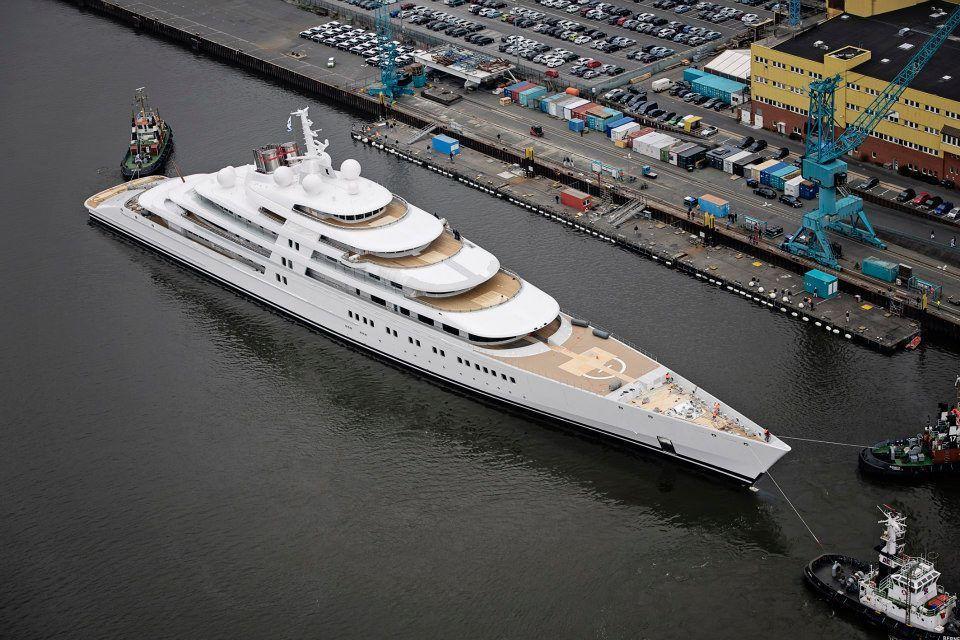 Lurssen Stapellauf Grosste Luxusyacht Der Welt Azzam Segelreporter