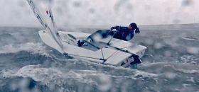 Annalise Murphy trainiert bei Schnee und Sturm.