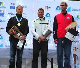 Das Podium der Gesamtflotte: André Budzien (2.), Michael Maier (CZE, 1.), Erik Lidesic (USA, 3.)
