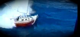 Yacht in der Brandung gekentert