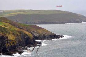 """Die felsige irische Küste wird der """"Astrid"""" zum Verhängnis. © RNLI"""
