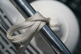 Weiches Gurtband - griffig und schohnt die Hände, aber auch hartes Gurtband lässt sich verwenden © H.Mühlbauer