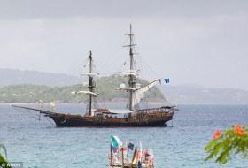 Tingelte über Jahre als Touristen-Piratenschiff von Bucht zu Bucht © Alpaca
