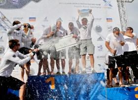 Champagner-Dusche bei der Preisverteilung des Match Race Germany 2014 © presse@matchrace.de