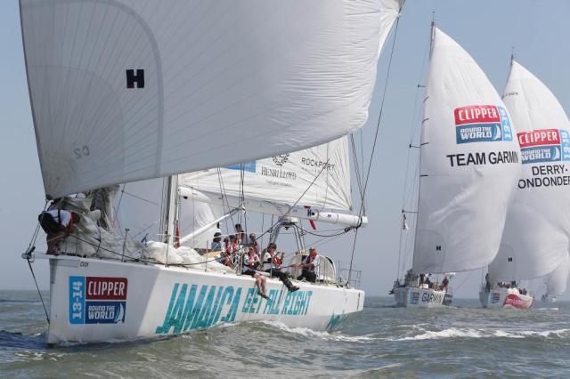 Homogene Truppe: Nach dem Start blieb die Flotte oft stundenlang zusammen © clipper race