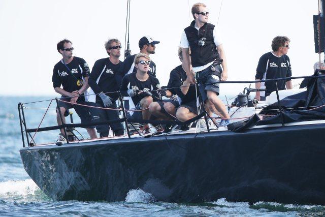 Vor dem Finale aus Bronze-Platz: die Crew der GP42 'Silva Neo'. ©segel-bilder.de