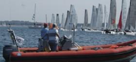 Peilung der Startlinie vom Race Commitee-Boot: Kann Technik das ersetzen?  ©Andreas Kling