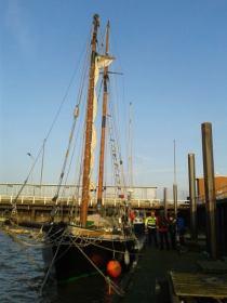 In Cuxhaven erstmals unter Deutscher Flagge © eggert