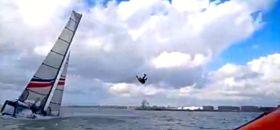 Der Narca 20 stoppt und ein Segler wird am Trapezdraht in die Luft katapultiert