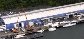 Das mehr als 20.000 Quadratmeter große Gelände der Knierim-Werft am Nordostseekanal aus der Luft. ©  Werft-Foto