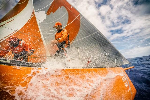 Viel Druck bevor wieder die große Flaute droht. © Amory Ross / Team Alvimedica / Volvo Ocean Race