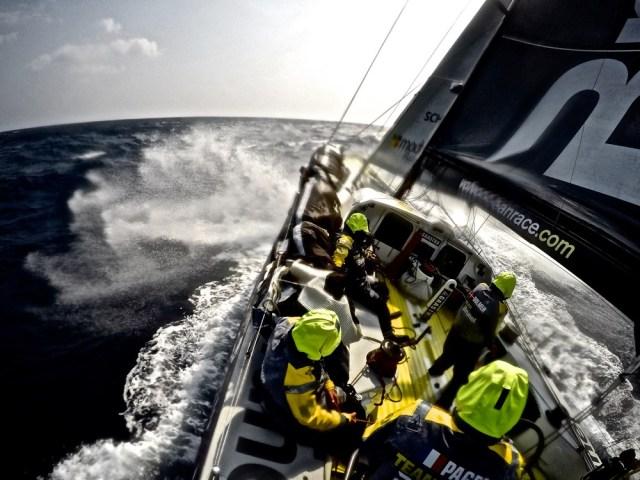 Brunel beim Kampf gegen die Wellen © Stefan Coppers/Team Brunel/Volvo Ocean Race