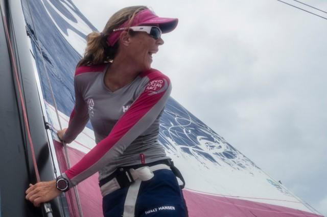 Carolijn Brouwer sieht Wind für ihr SCA Team. © Anna-Lena Elled / Team SCA / Volvo Ocean Race