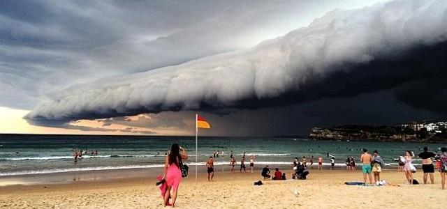 Touristen werden vom Wetter überrascht. © Sky
