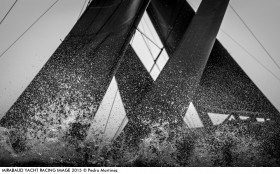 RC44 kreuzen die Klingen.  © Pedro Martinez