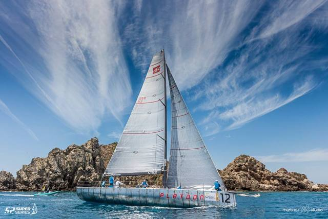 52 SuperSeries