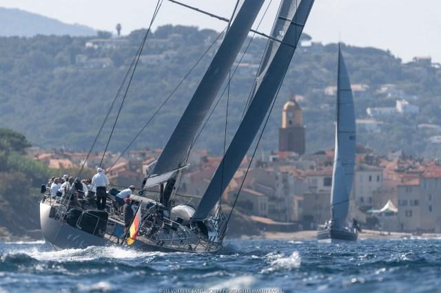 Die deutsche Wally Y3K vor der Kulisse von Saint Tropez © Gillet Martin Raget