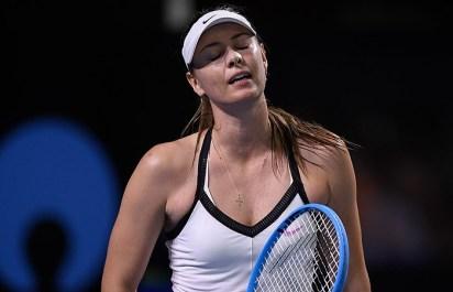 Шарапова проиграла американке Брэди на старте турнира в Брисбене