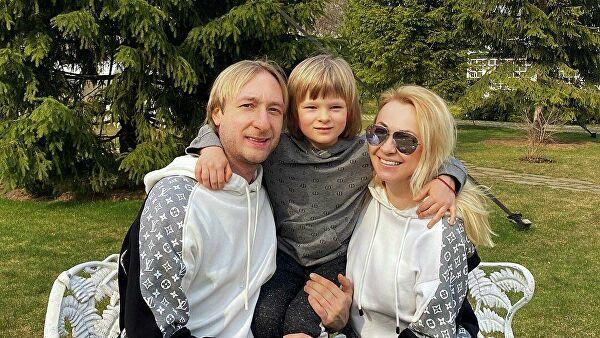 Плющенко эмоционально отреагировал на скандальную статью о сыне